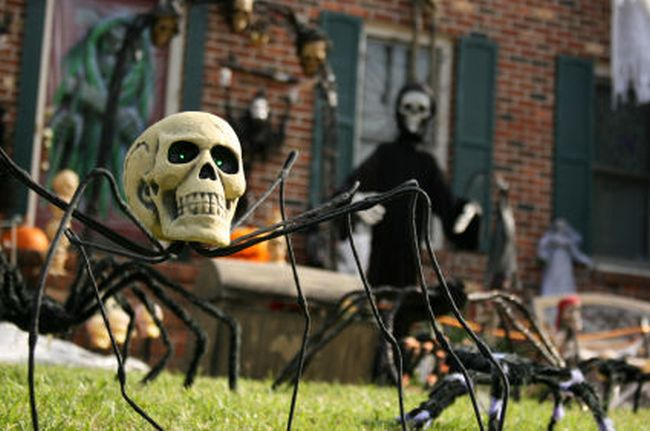 Halloween-yard-decoration