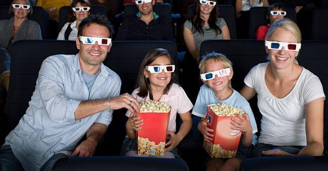 family-movie-1040cs051612