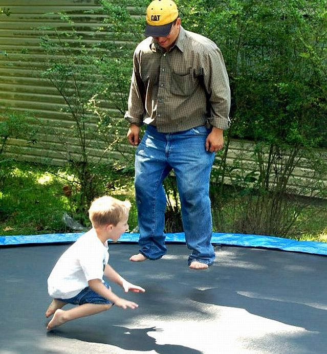 sports-trampoline-dad-kid-500x578